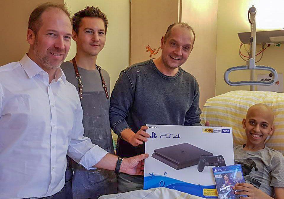 Eine PS4 für Saaed mit Tim Oliver Schultz