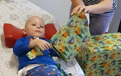 Große Freude für den vierjährigen Enrico